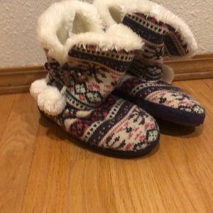 Madden girl purple slippers 5/6 slippers